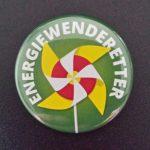 Alle TeilnehmerInnen bekamen von Julia Verlinden einen Button mit der Aufschrift Energiewenderetter.